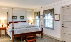 Room 10: Elizabeth Glane - 4 Poster Bed